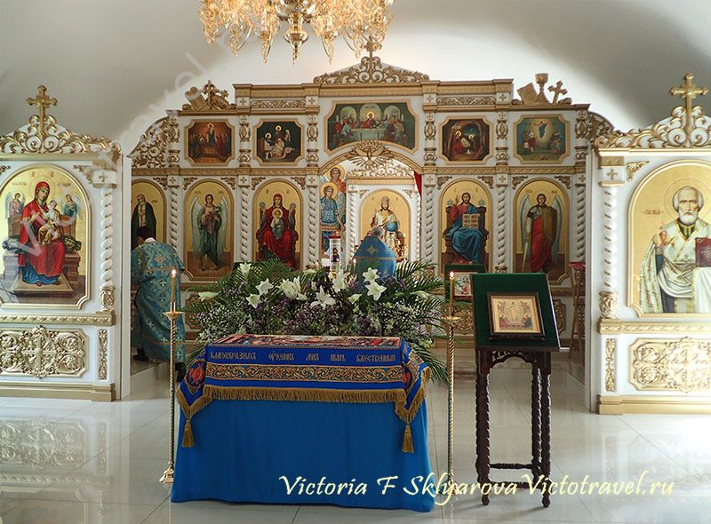 Церковь, иконы, алтарь, иконостас