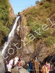 Водопад в горах, Баксу, Маклеод Гандж, Индия
