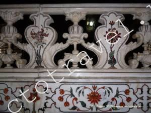 Тадж Махал внутри, инкрустация камнями, декоративные элементы