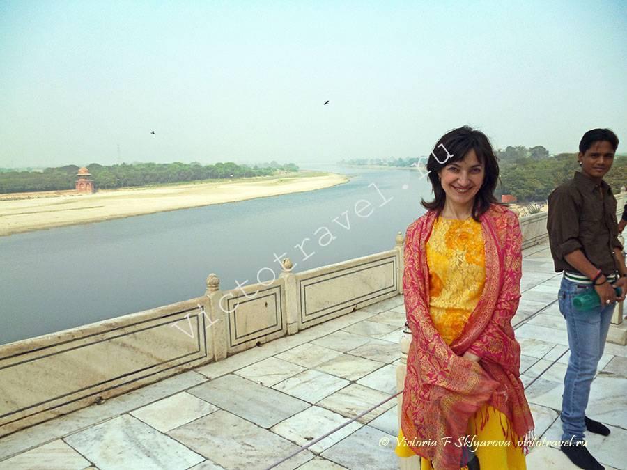 вид на реку Джамна из Тадж Махал, Агра, Индия