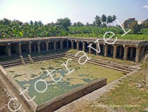 старинное место омовения верующих, Хампи, Индия