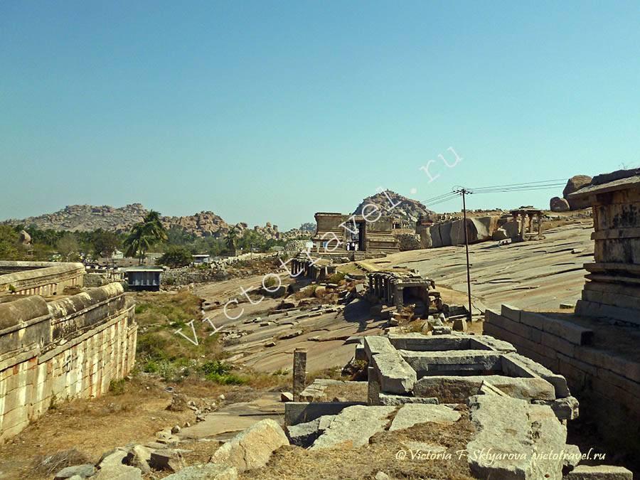 руины древней столицы в Хампи, Индия