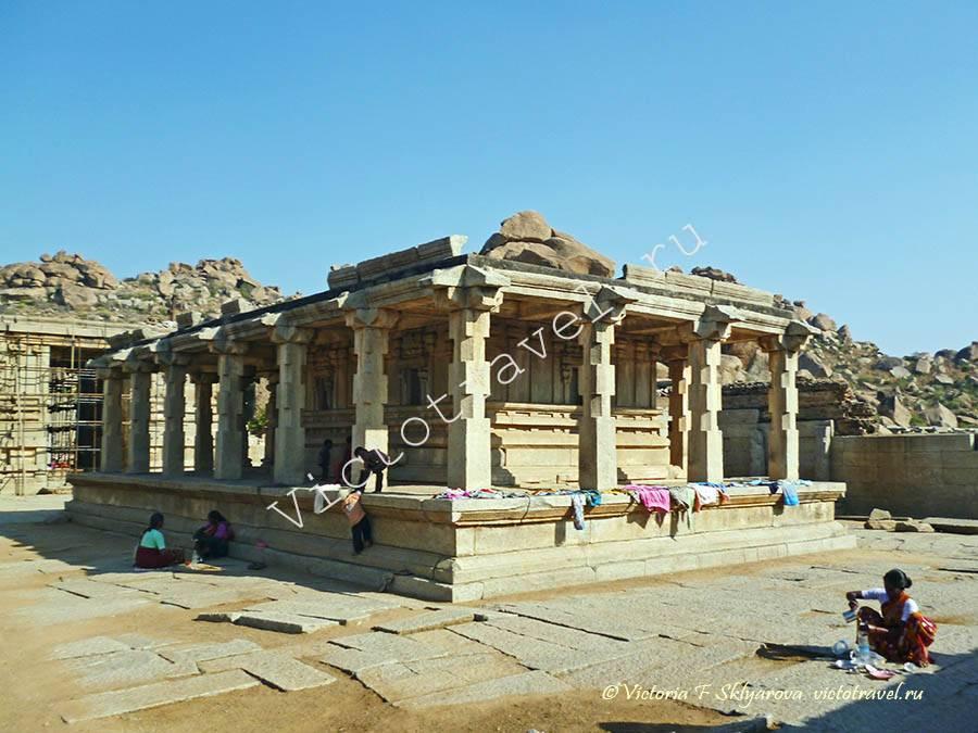 старинный храм, Хампи, Индия