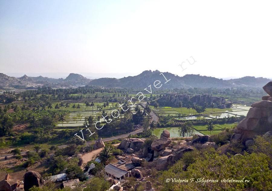вид с горы и Храма Ханумана, Хампи, Индия