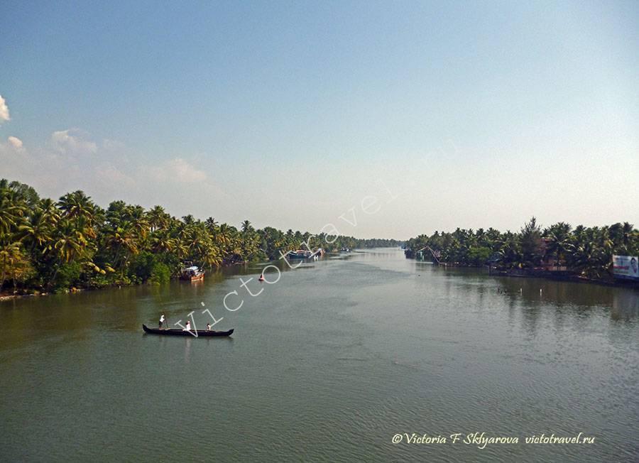 жилые корпуса ашрама Аммы, Керала, Индия