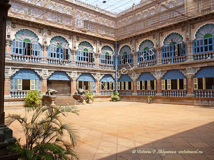 двор дворца Махараджи, Майсора, Индия