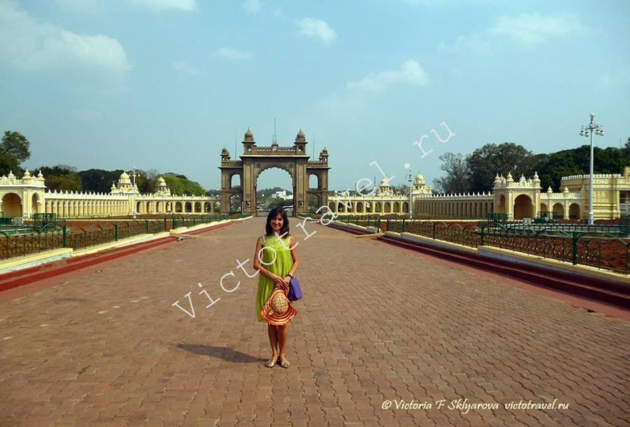 центральные ворот форта Дворца Махараджи, Майсур