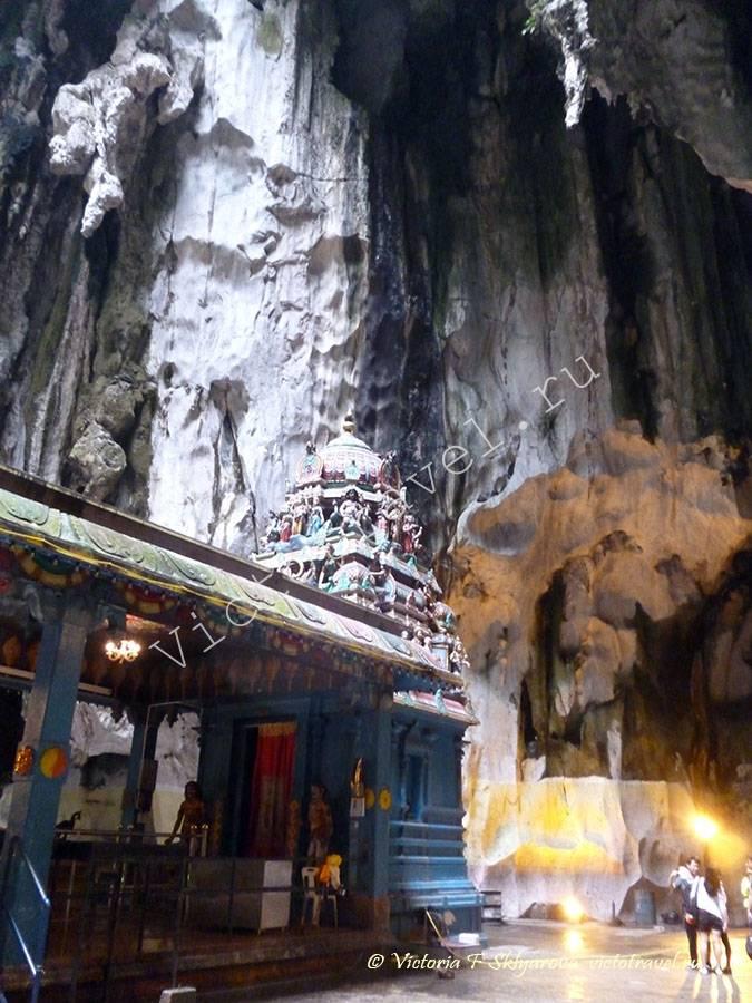 храм в пещере Бату, Куала Лумпур, Малайзия