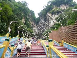 длинная лестница в пещеру Бату, Куала Лумпур, Малайзия