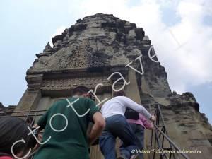 подъем на башню храма Ангкор Ват