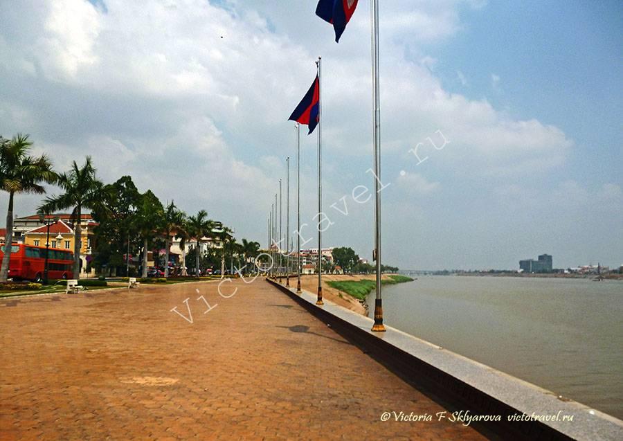 набережная реки Меконг, Пномпень, Камбоджа