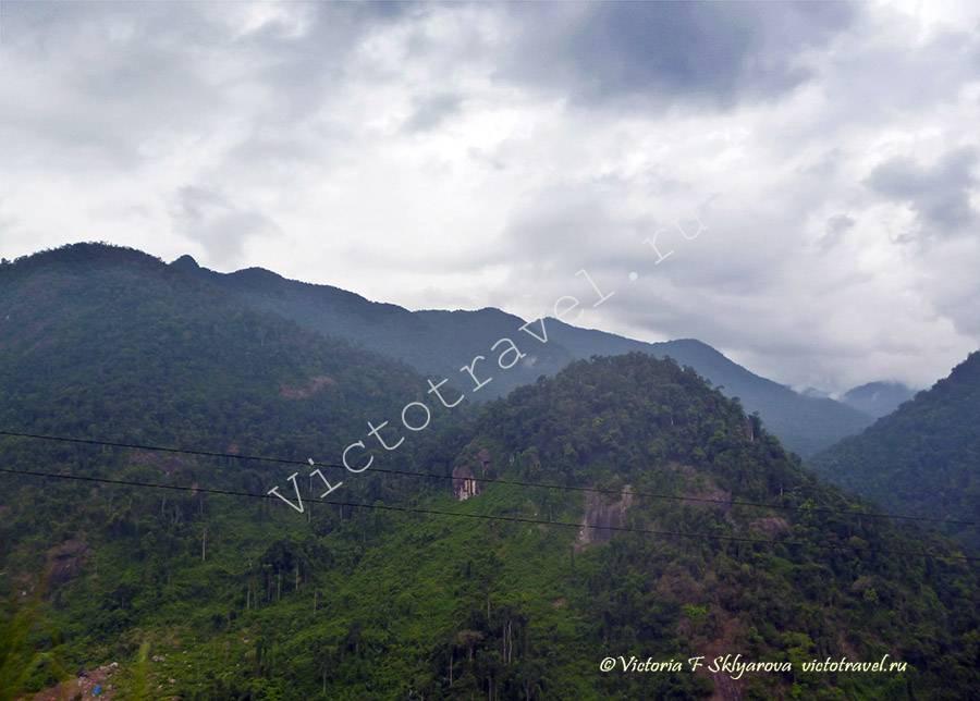 горы на пути из Далата в НяЧанг, Вьетнам