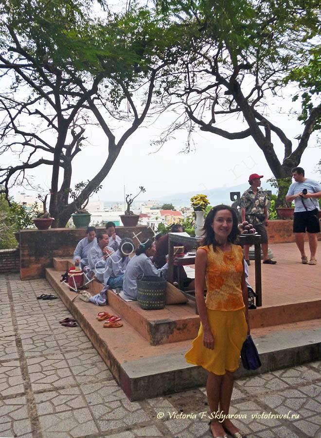 рядом с Башнями Тямов, НяЧанг, Вьетнам