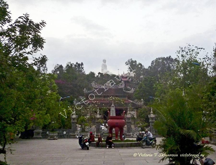 Пагода Лоншон, НяЧанг, Вьетнам