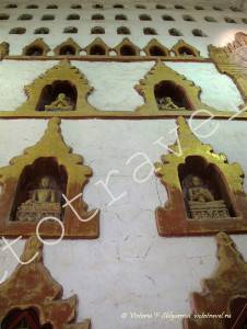 изображения Будды в храме Ананда, Баган, Мьянма