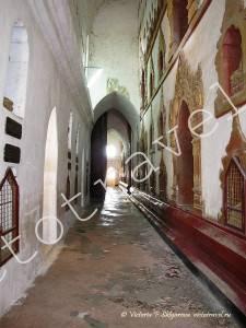 галерея храма Ананда, Баган, Мьянма (Бирма)
