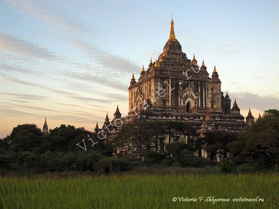 Bagan105-ThatByinNyu-Temple