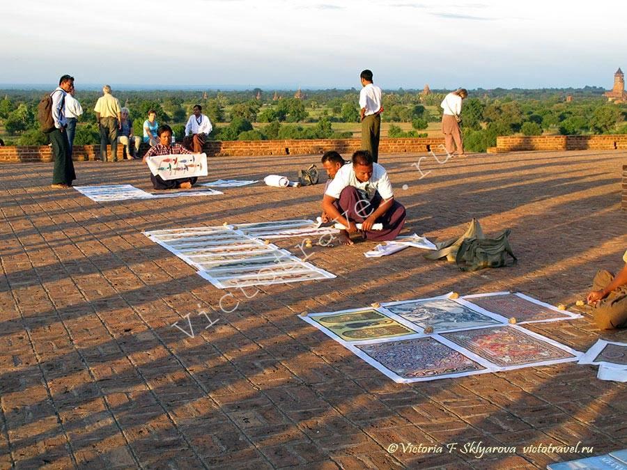 Смотровая площадка на верху храма-Bagan250