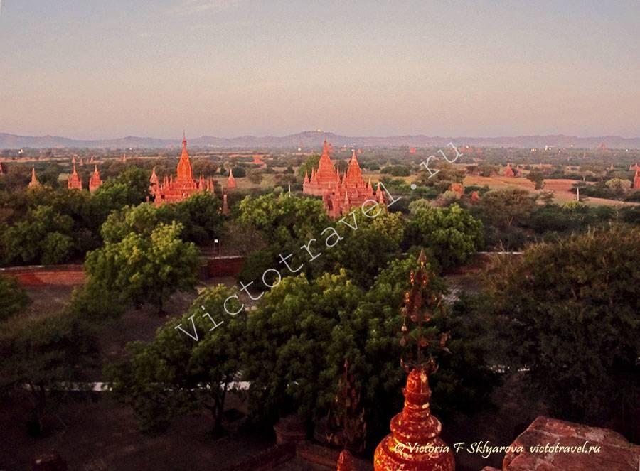 храмы на рассвете, Баган, Мьянма