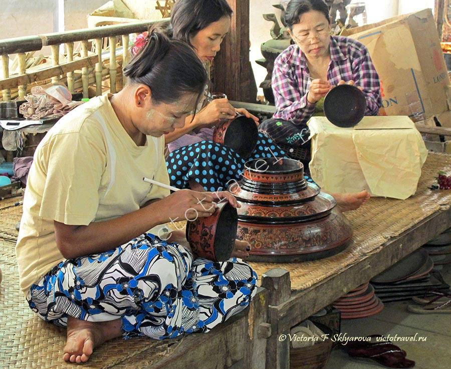 Художницы по росписи сувениров-Bagan5