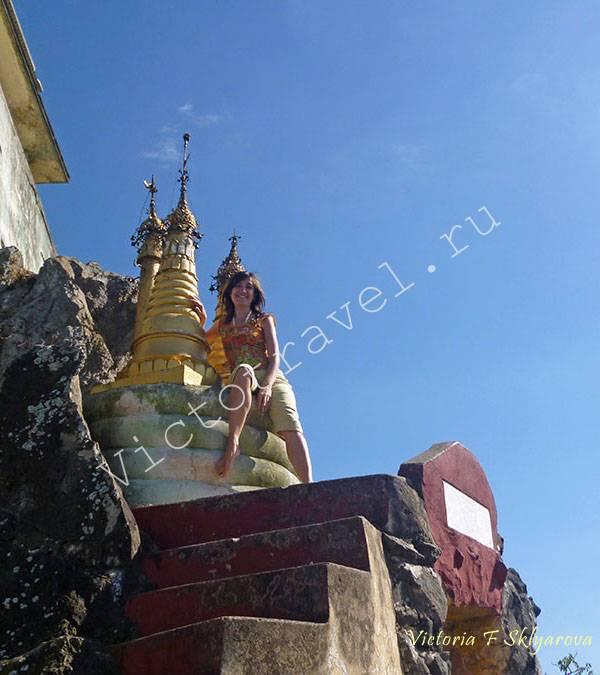 в храме на скале-Mt-Popa24