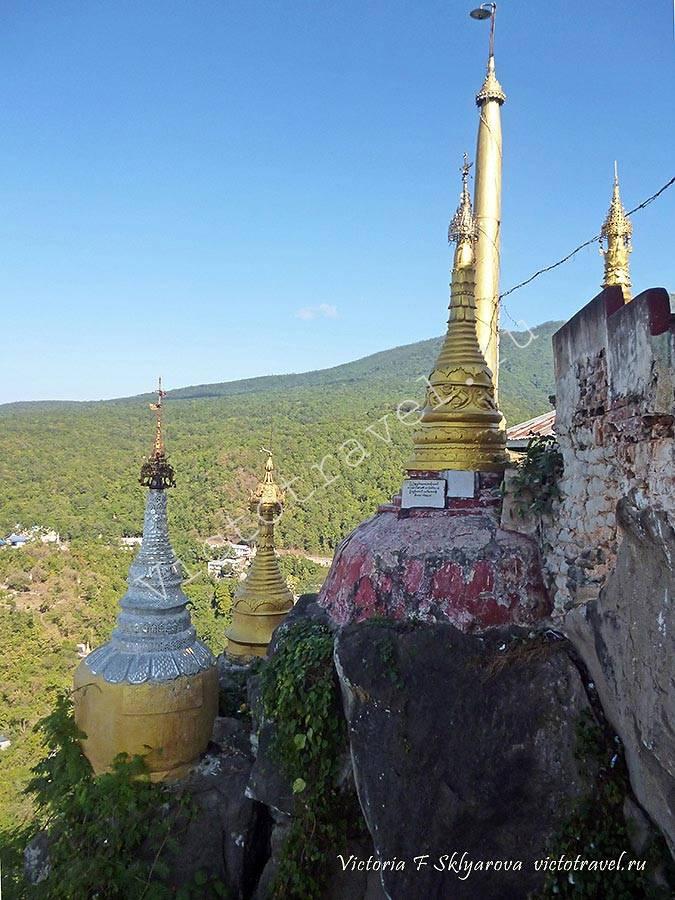 храм на горе -Mt-Popa32