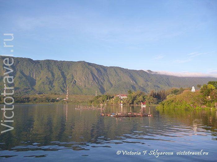 озеро Тоба, Самосир, Тук тук, Суматра, Индонезия, Toba-lake117