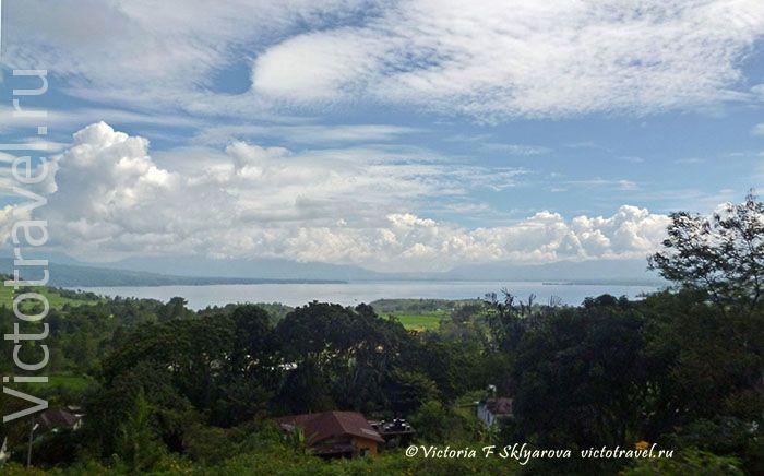 по дороге в Парапат, озеро Тоба, Суматра,Индонезия
