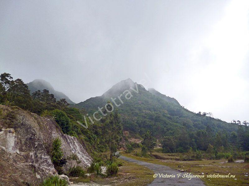 Иду на вулкан Сибаяк, Берастаги, Суматра, Индонезия