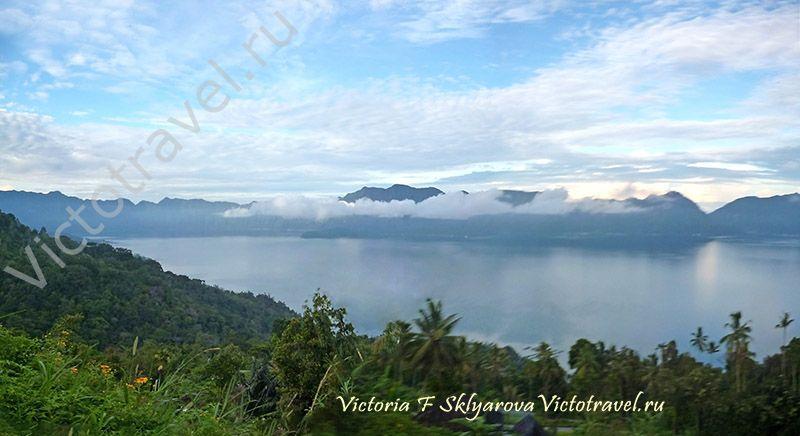 озеро Манинджау, облака, Суматра, путешествие по Индонезии