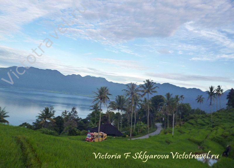 Озеро Манинджау, Суматра, Индонезия - дорога, серпантин-sumatra-maninjaui24