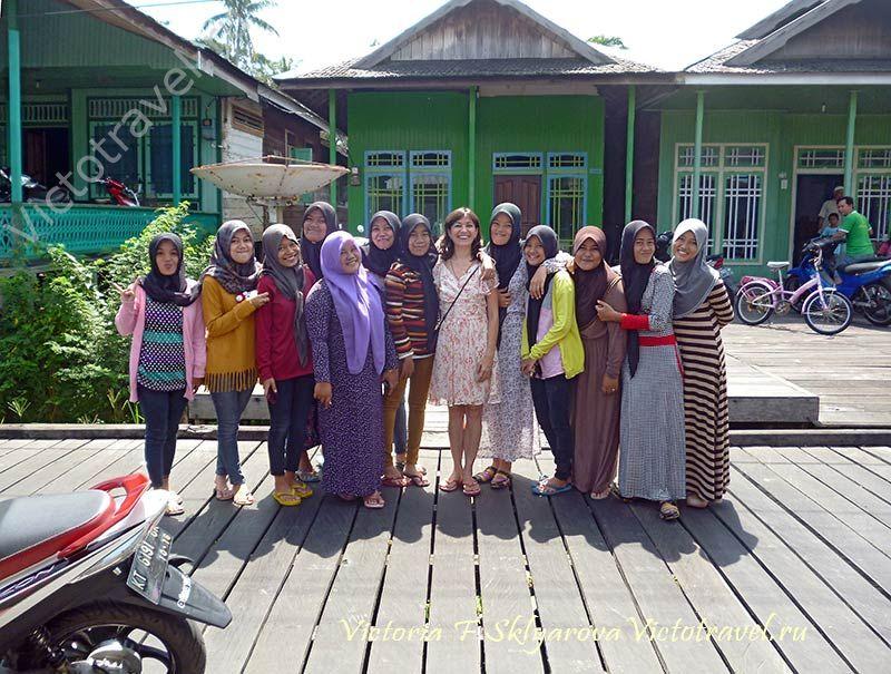 индонезийские девушки, Я, муара мунтай, Калимантан, Индонезия